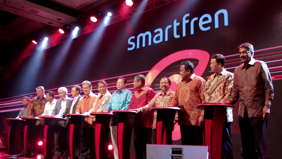 peluncuran smartfren 4g lte advanced