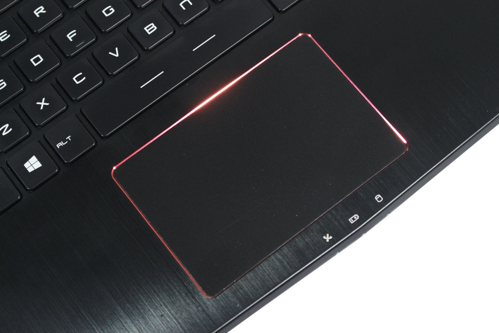 MSI GS40 6QE Phantom Touchpad