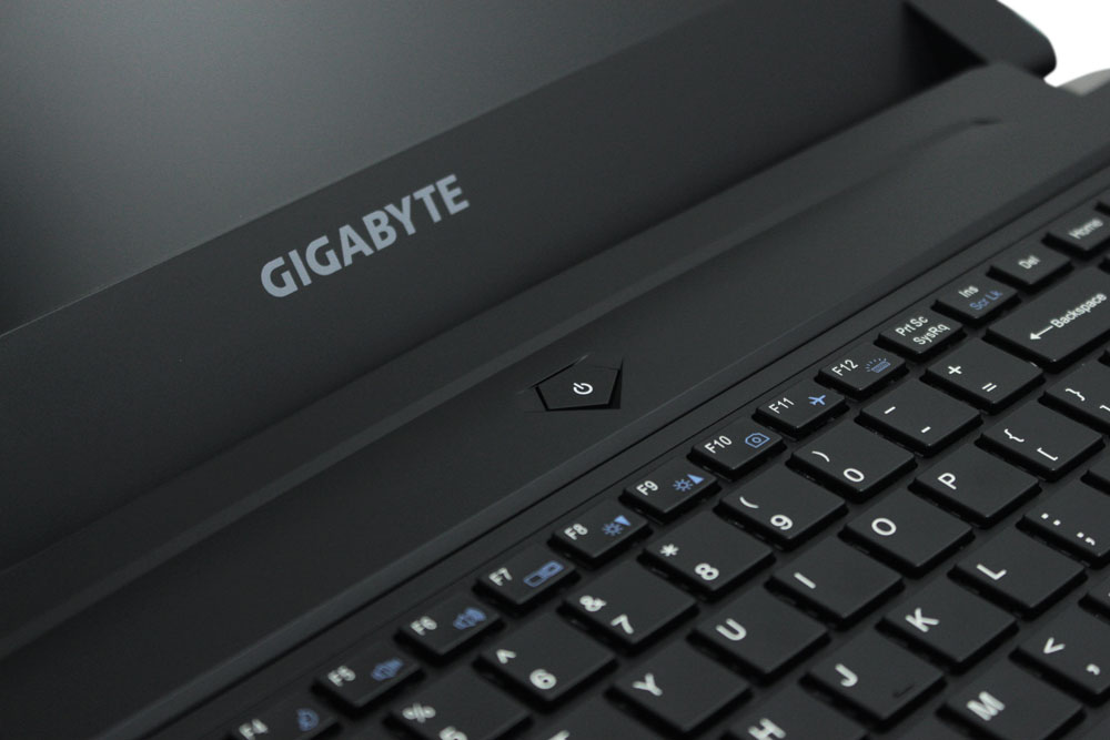 Gigabyte P55W V6 desain and workstation