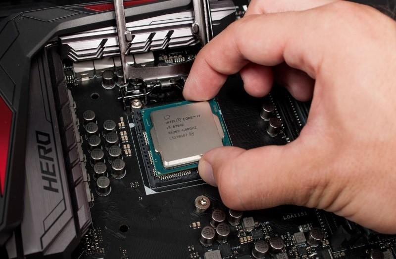 prosessor dan motherboard