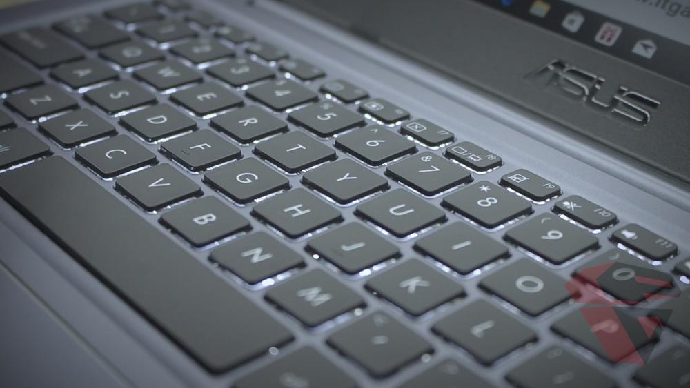 Asus Vivobook S14 S410 - Workstation - Keyboard