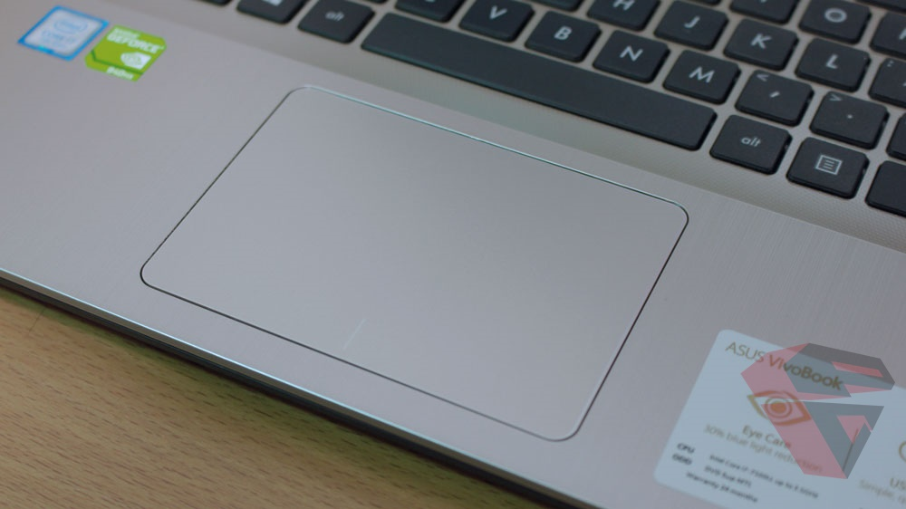 Review Asus A442UQ - FA020T - touchpad
