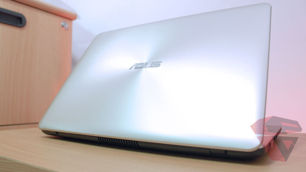 Review Asus A442UQ - FA020T - LCD Cover design