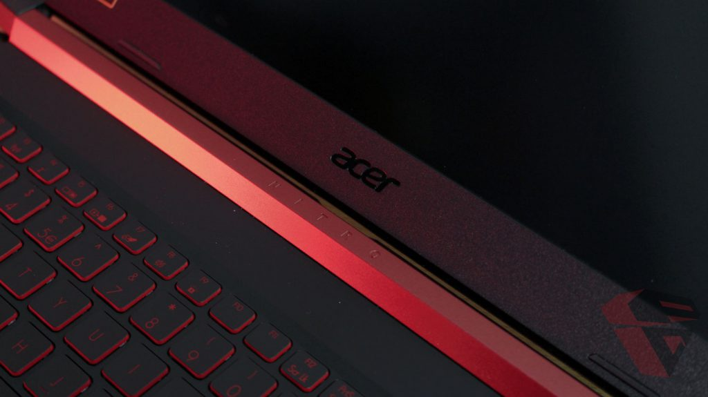 Review Acer Nitro 5 - LCD Hings Design