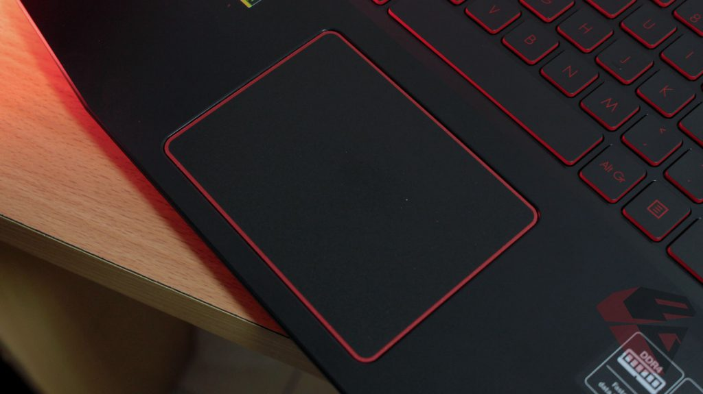 Review Acer Nitro 5 - Touchpad