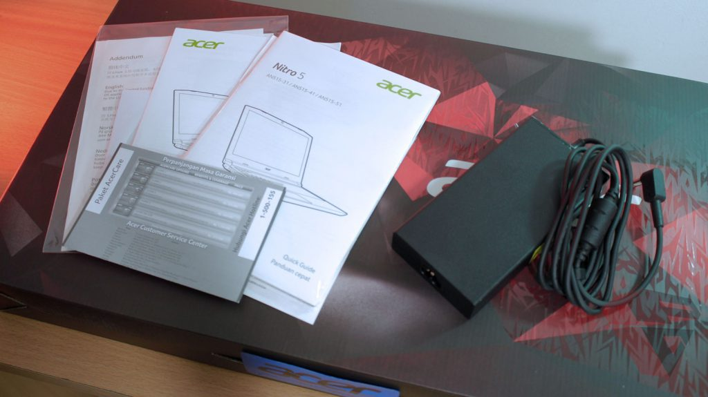 Review Acer Nitro 5 - Sales Package